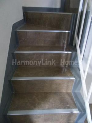 池袋ビルの階段