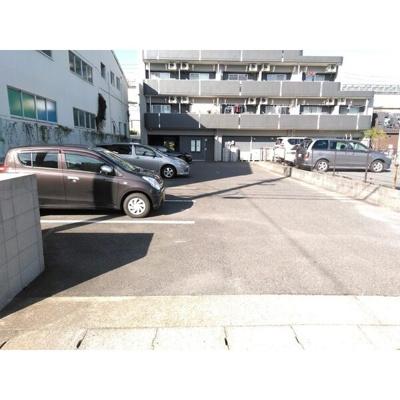 【駐車場】UNAX -V