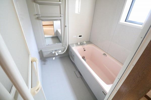 浴室も綺麗に使われています♪