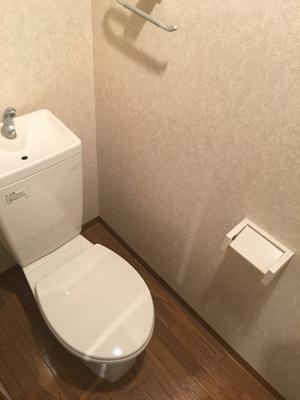 個室トイレでゆったり
