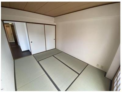 6畳の和室スペース♪ 収納もございます!