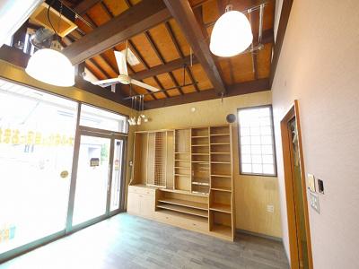 屋根裏にもスペースありです。