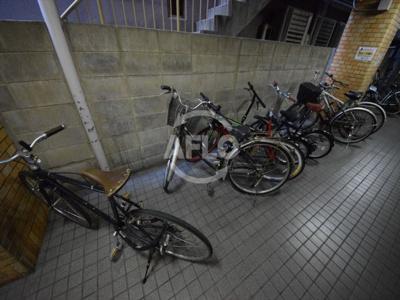 アウトバーンGK 駐輪場