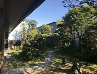 笠松町円城寺中古住宅 敷地広々155坪 ステキなお庭スペースもあります。延長敷地ですがお車4台可能!