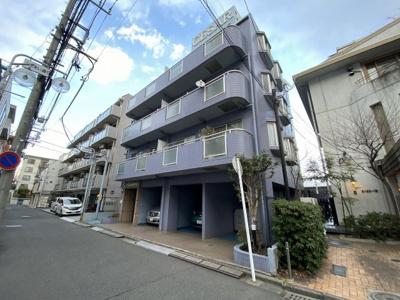 総戸数20戸、平成5年9月築。