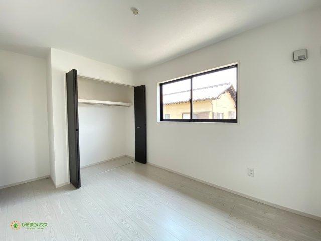 各部屋収納がございますので大きな収納家具を買い足す必要もございません!!