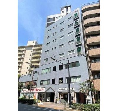 SRC造地下1階付8階建て、総戸数22戸のマンションです。