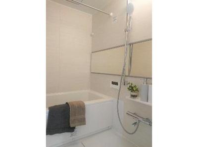 雨の日のお洗濯に便利な浴室換気乾燥機付き。