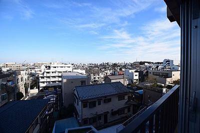 5階部分のお住まいにつき眺望も良好です。