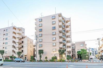 東急田園都市線「駒沢大学」駅より徒歩約8分の立地です。