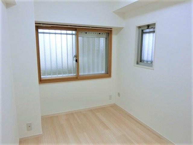 【現地写真】 収納を完備しておりますので、居室の全空間を有効活用出来ます。自分好みのお部屋で、ゆったりお寛ぎ頂けます♪