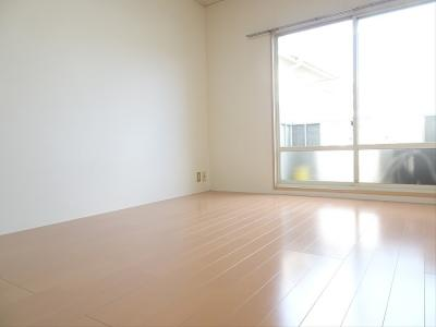 【居間・リビング】サンハイツ美真樹