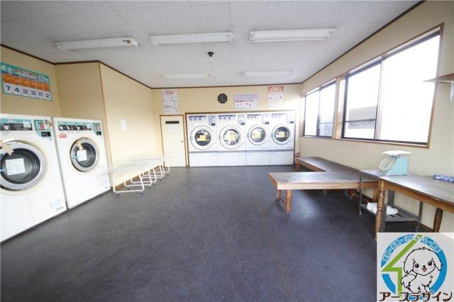 【内装】竜が岡貸店舗(ランドリー跡)