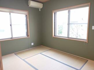 日当たりのよい角部屋の和室