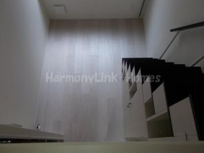 ハーモニーテラス中板橋Ⅱのおしゃれな内装です(ロフトからの眺め)☆