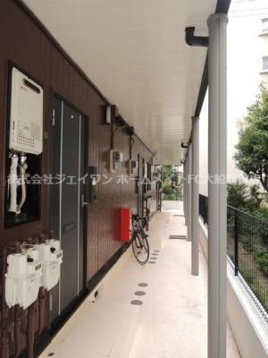 【エントランス】ロイヤルパレス五番館