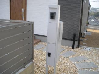 同一分譲地内1号地機能門柱