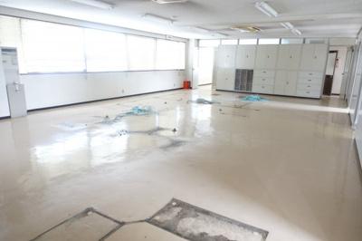 【内装】新池島1丁目事務所付き貸工場