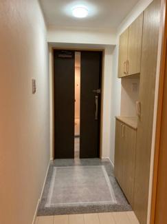 玄関は広さがあり、シューズBOXも広く沢山収納できます。