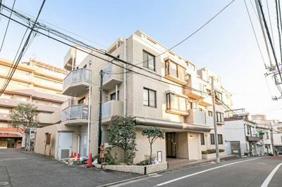 都営三田線「春日」駅徒歩約10分、周辺は閑静な住宅街。