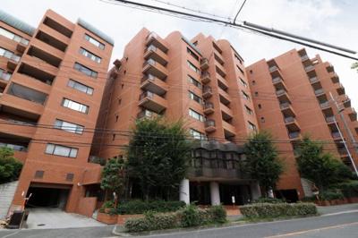 【現地写真】 鉄筋コンクリート造9階地下1階建て♪ 総戸数50戸♪