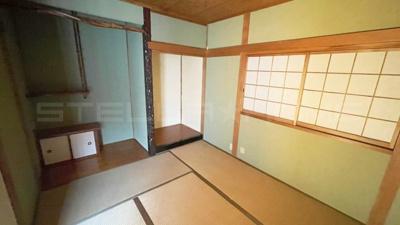 仏間と床の間のある和室です。