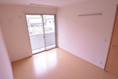 築浅なのでまるで新築のような綺麗な内装で気持ちいいお部屋です