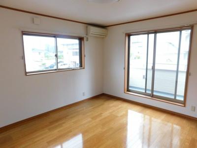 【寝室】中央2丁目6-13一戸建て