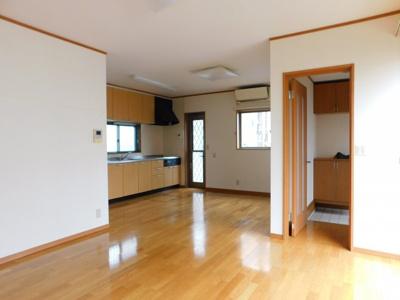 【居間・リビング】中央2丁目6-13一戸建て
