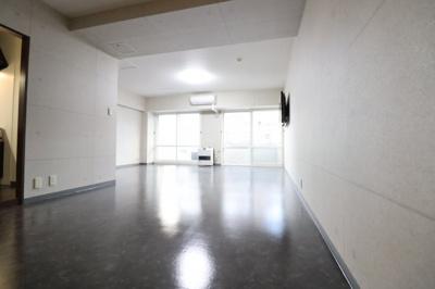 【居間・リビング】旭ヶ丘クレセントマンション