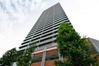 地上33階建ての高層タワーマンション