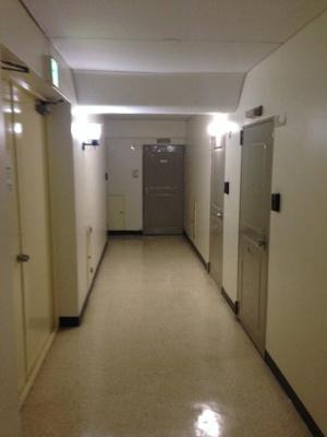天候に左右されず、プライバシーも守ることができる内廊下設計