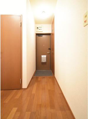 毎日通る玄関はこちらです