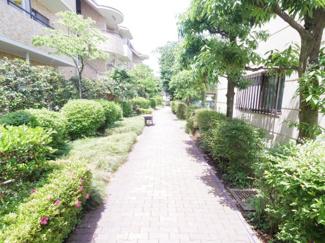 敷地内遊歩道