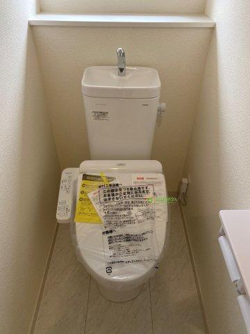 温水洗浄便座のトイレを完備!!