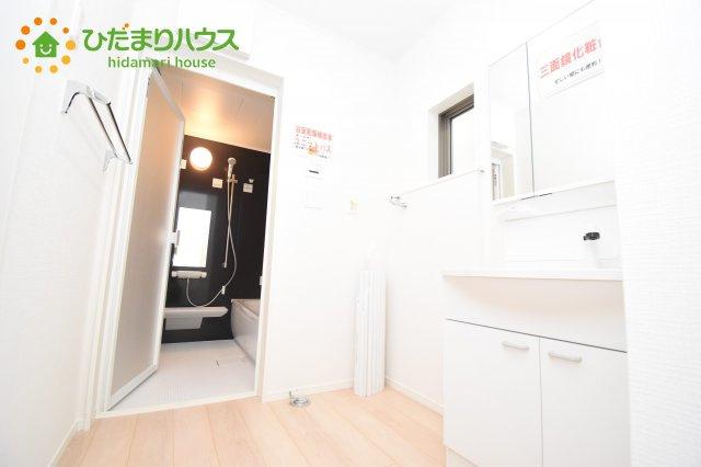 【洗面所】伊奈町西小針 第5 新築一戸建て クレイドルガーデン 02