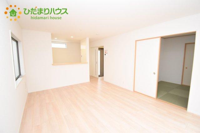 【居間・リビング】伊奈町西小針 第5 新築一戸建て クレイドルガーデン 02