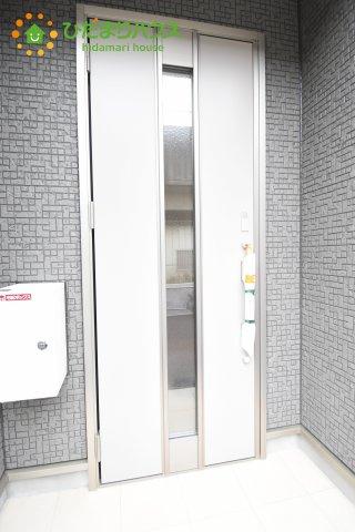 【玄関】伊奈町西小針 第5 新築一戸建て クレイドルガーデン 02