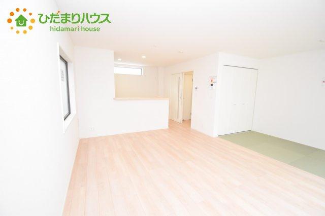 【居間・リビング】伊奈町西小針 第5 新築一戸建て クレイドルガーデン 01
