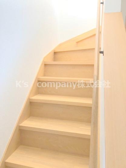 2階につながる階段です。