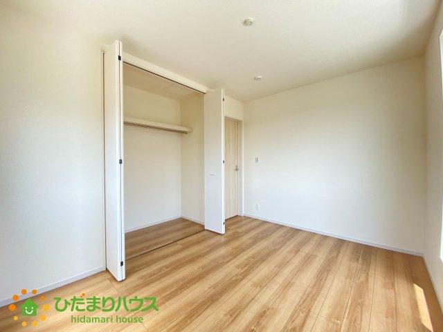 全室にクローゼットが付いていて、お部屋の住空間もスッキリ広々つかえそうです!