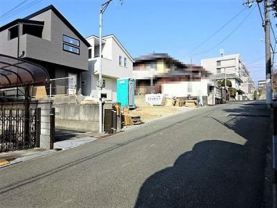 【前面道路含む現地写真】《》神戸市垂水区本多聞6丁目 2号地 新築戸建
