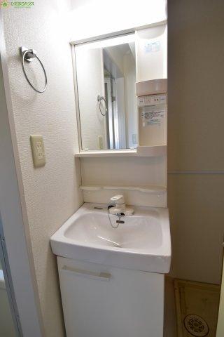 朝の支度にも助かる、独立の洗面化粧台