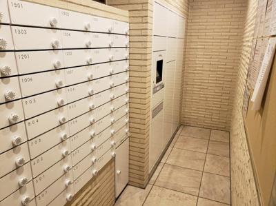 便利な宅配ボックス付きです