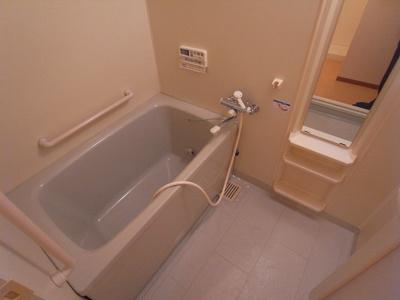【浴室】ヴェルテ忍ヶ丘Ⅱ番館
