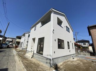 新京成線「高根公団」駅徒歩20分の全3棟の新築一戸建てです。