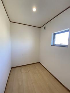 千葉市花見川区こてはし台 中古一戸建て 大和田駅 作業スペースに最適な納戸です