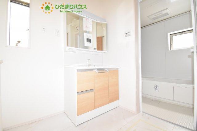 【洗面所】上尾市小泉8丁目 新築一戸建て 04