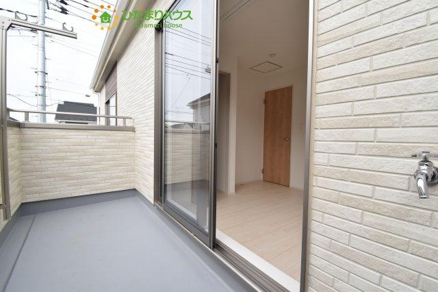 【バルコニー】上尾市小泉8丁目 新築一戸建て 04