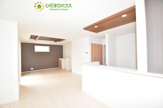 【居間・リビング】上尾市小泉8丁目 新築一戸建て 04